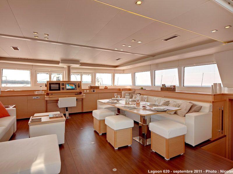 crucero-barcos-catamaran-Lagoon 620