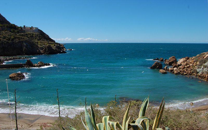 Alquiler-barcos-veleros-catamaranes-vacaciones-navegar-Murcia-España