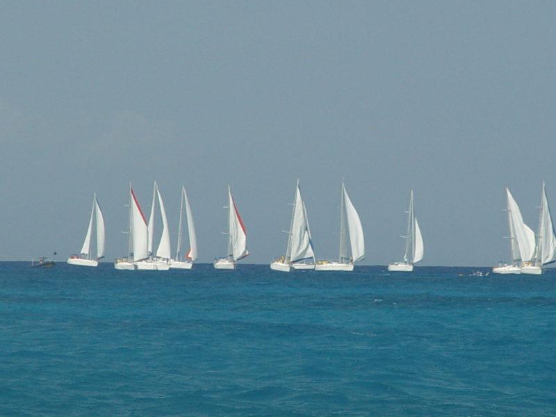 navegar-vacaciones-velero-caribe-amigos