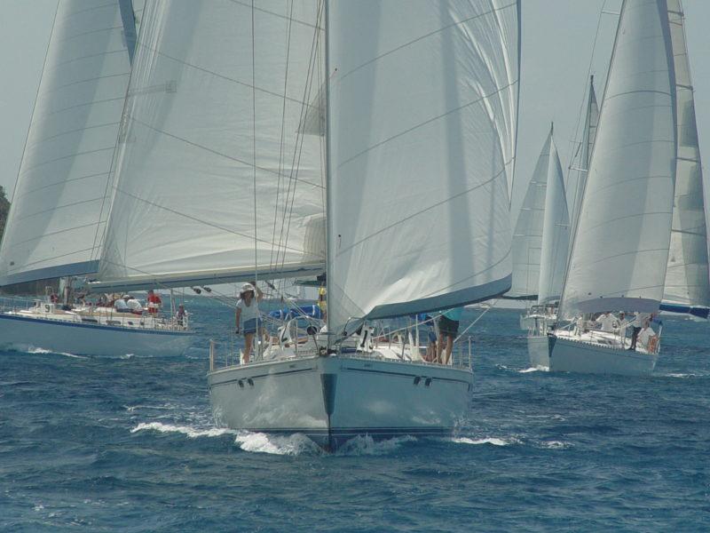 alquiler-veleros-vacaciones-navegar