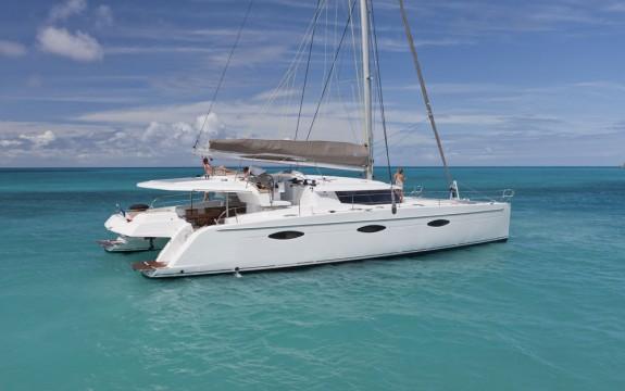 Alquiler-catamaran-cayos-de-Tobago-vacaciones-Caribe