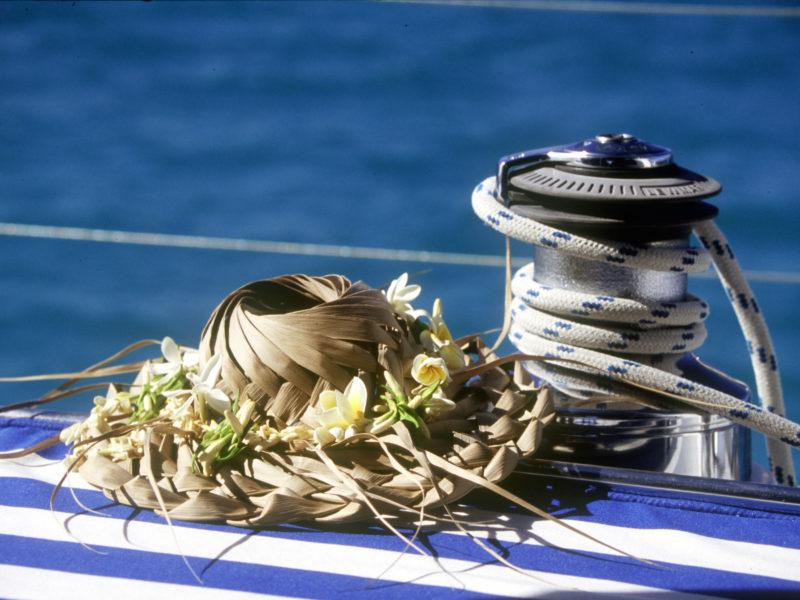 alquiler-catamaran-polenesia-vacaciones-navegar