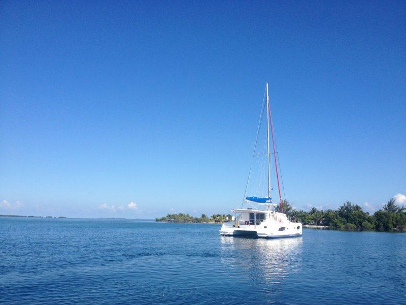 catamaran Belize