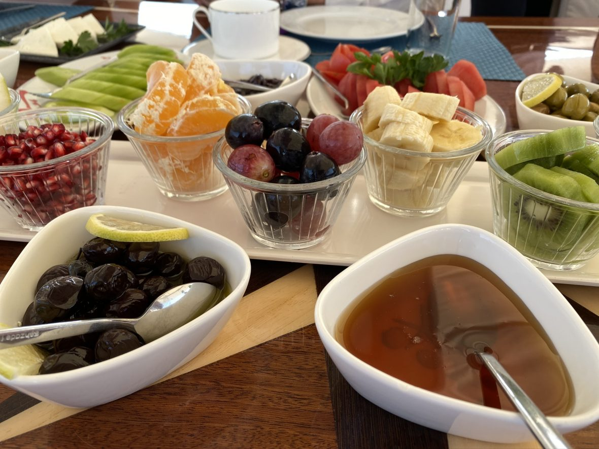 Alquiler-goleta-turquia-desayuno-fruta