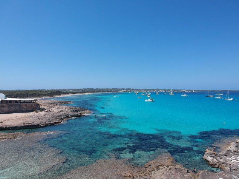 Alquiler-barcos-Veleros-Catamaran-España-Ibiza-vacaciones