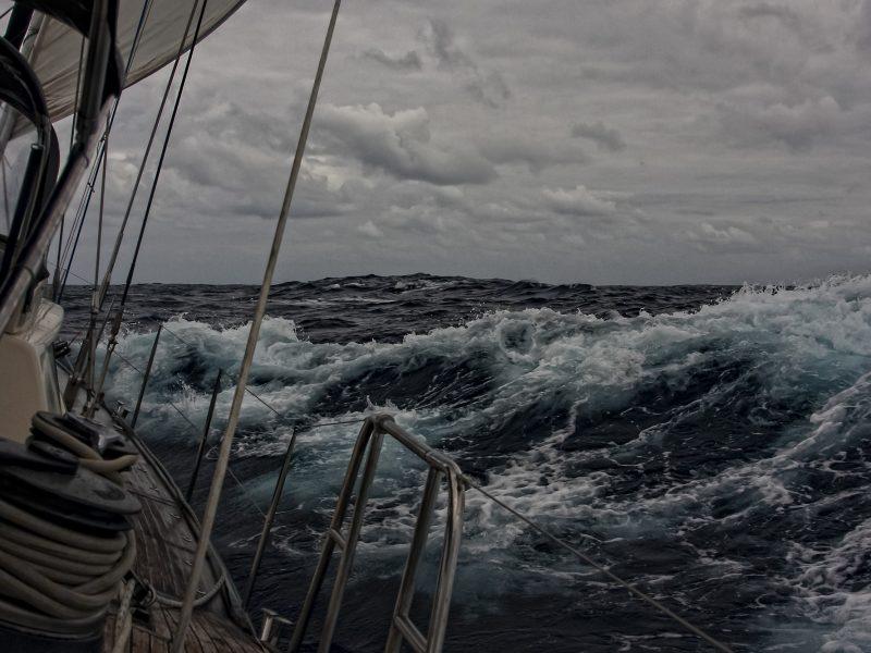 Alquiler-Travesia-Atlántico-veleros-navegación-cruce-vela-tripulación