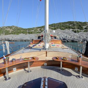 Alquiler-goleta-Turquia-vacaciones-familiares-navegar