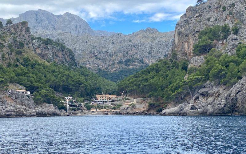 Alquiler-Barcos-Mallorca-veleros-catamaran-vacaciones-Baleares-mediterraneo