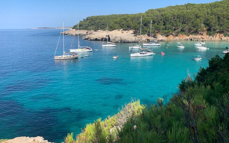 Alquiler-Barcos-Mallorca-veleros-vacaciones-Baleares-mediterraneo