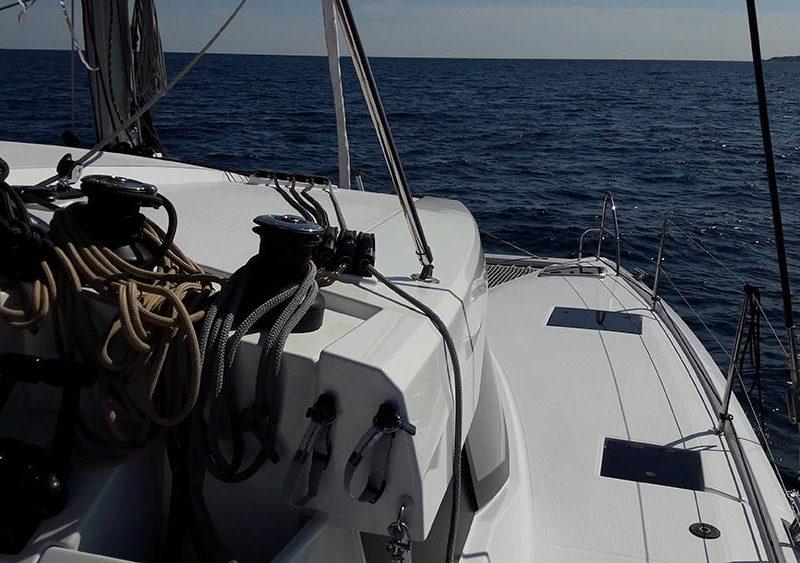 Alquiler-Travesia-Atlántico-veleros-navegación-cruce-vela-tripulación-catamaran